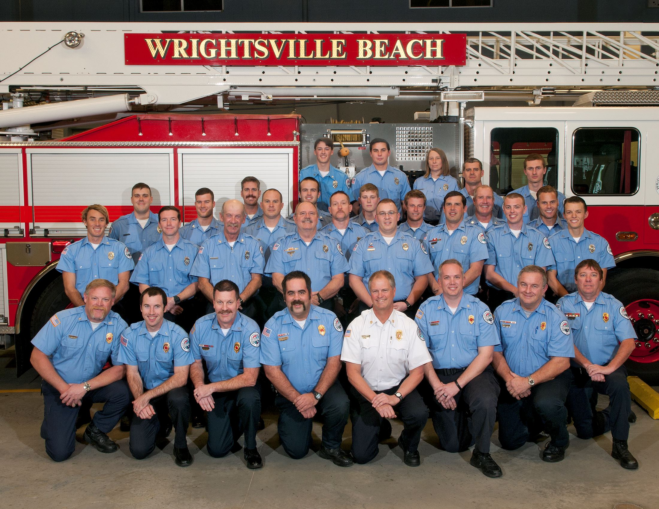 WBFD group photo by firetruck