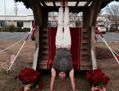 Toms 2 handstand at Santa chair 2014