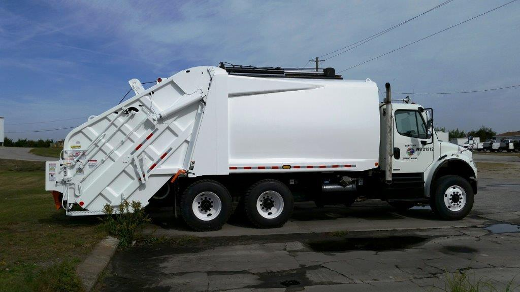 Trash Truck Repainted 10292015